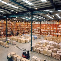 Modern_warehouse_with_pallet_rack_storage_system